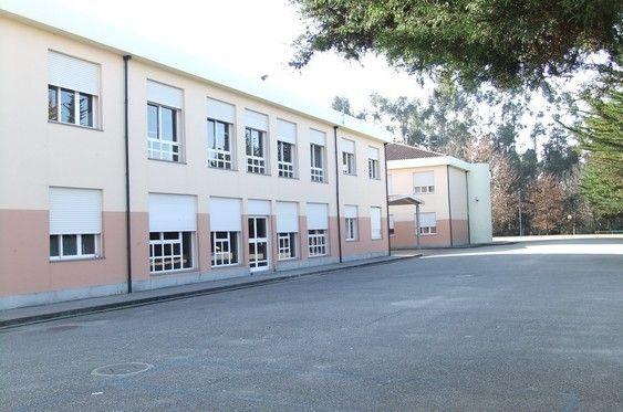 Foto 2 de Escola Básica e Secundária do Levante da Maia