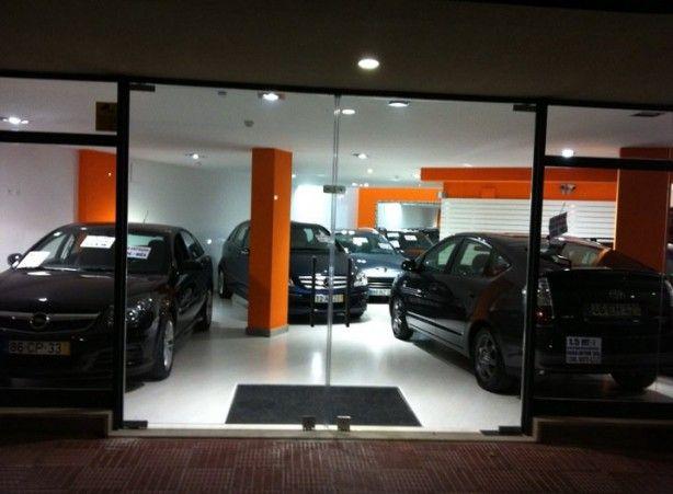 Foto 3 de Via Centro - Comércio de Automóveis e Acessórios, Lda