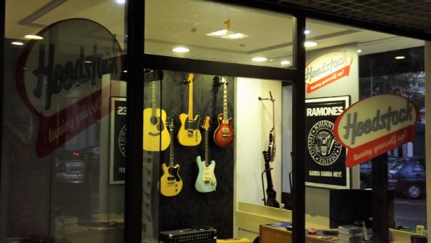 Foto 2 de Headstock - Loja de Instrumentos Musicais Novos & Usados