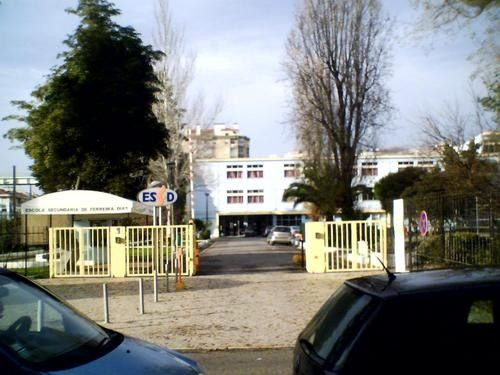 Foto 1 de Escola Secundária Ferreira Dias, Agualva