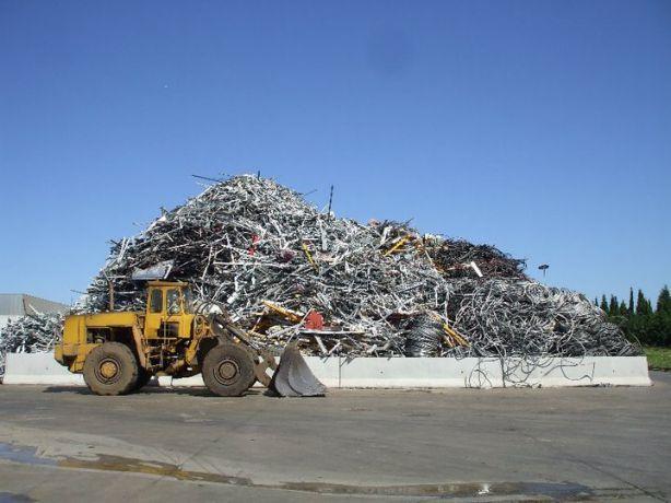 Foto 2 de Baptistas, Estaleiro Casal Pinheiro - Reciclagem de Sucatas, SA