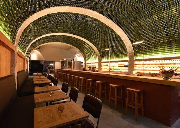 Foto de Bar By the Wine