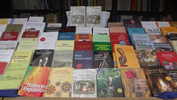 Foto 1 de Livraria Edições Colibri, Faculdade de Ciências Sociais e Humanas